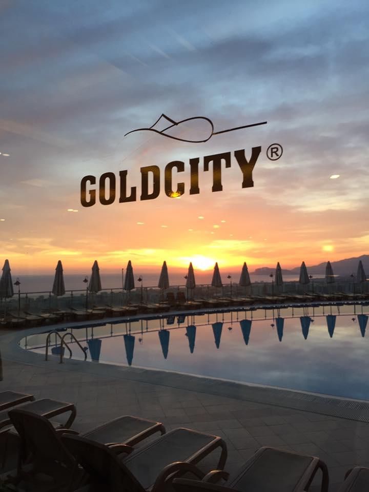 sunset-gold-city-antalya-turkey-summer-holiday-resort-elle-blonde-luxury-lifestyle-destination-blog