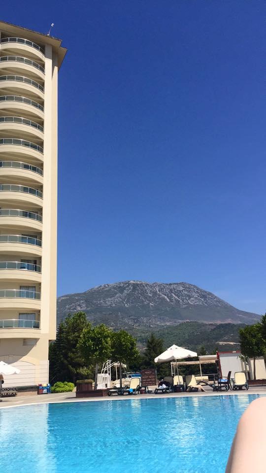 tower-gold-city-antalya-turkey-summer-holiday-resort-elle-blonde-luxury-lifestyle-destination-blog