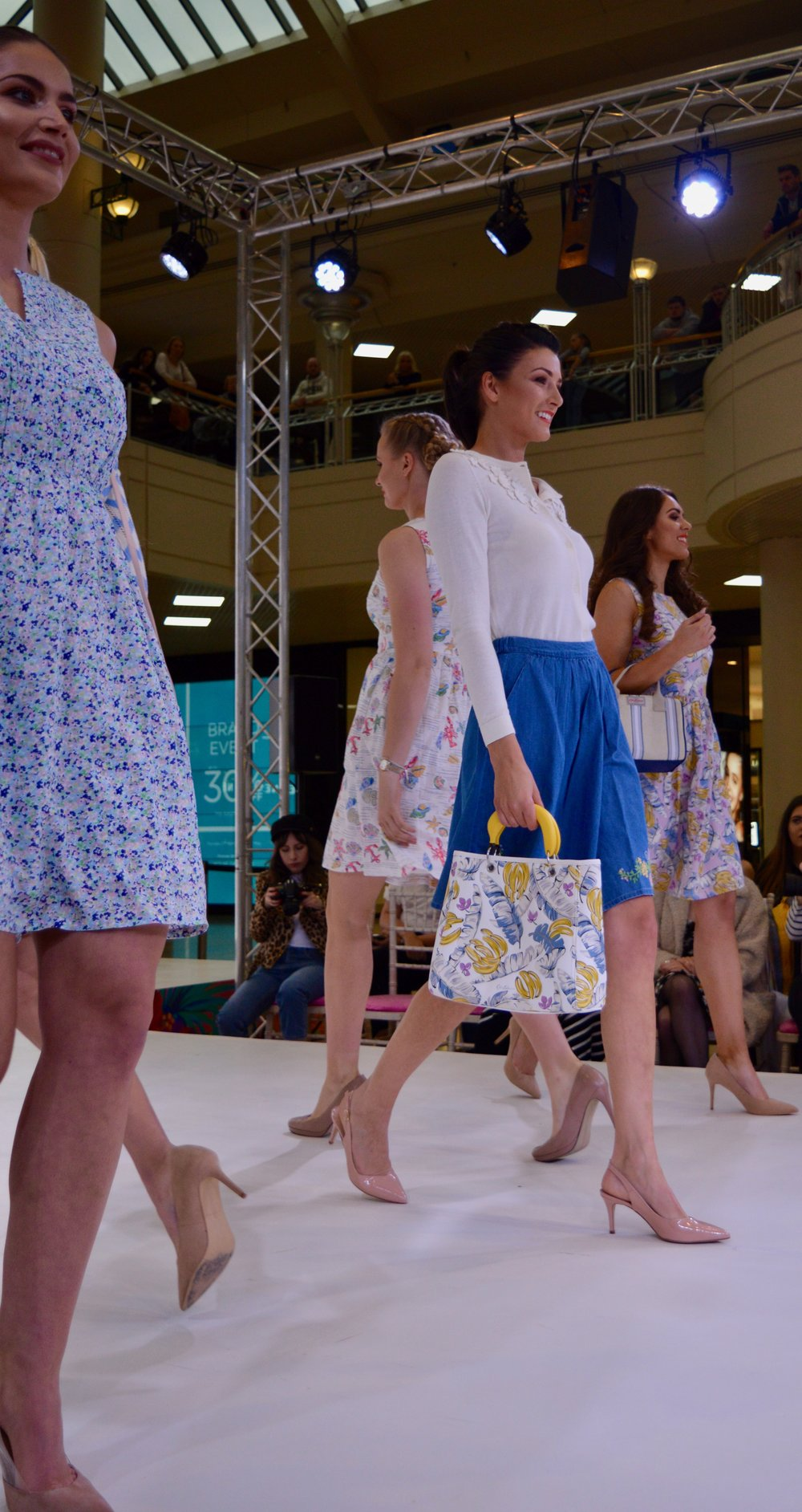 cath_kidston_cute_florals_light_pastel_palette_intu_metrocenter_fashion_show_summer_event_flamingo_theme_elle_blonde_luxury_lifestyle_blog