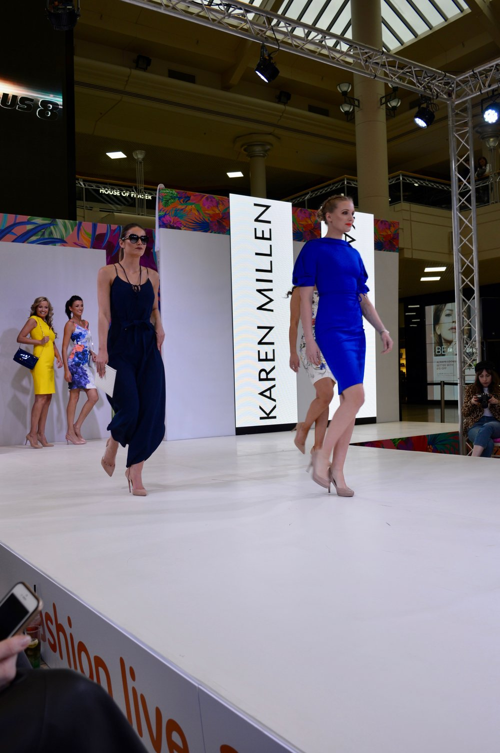 karen_millen_colour_popping_intu_metrocenter_fashion_show_summer_event_flamingo_theme_elle_blonde_luxury_lifestyle_blog