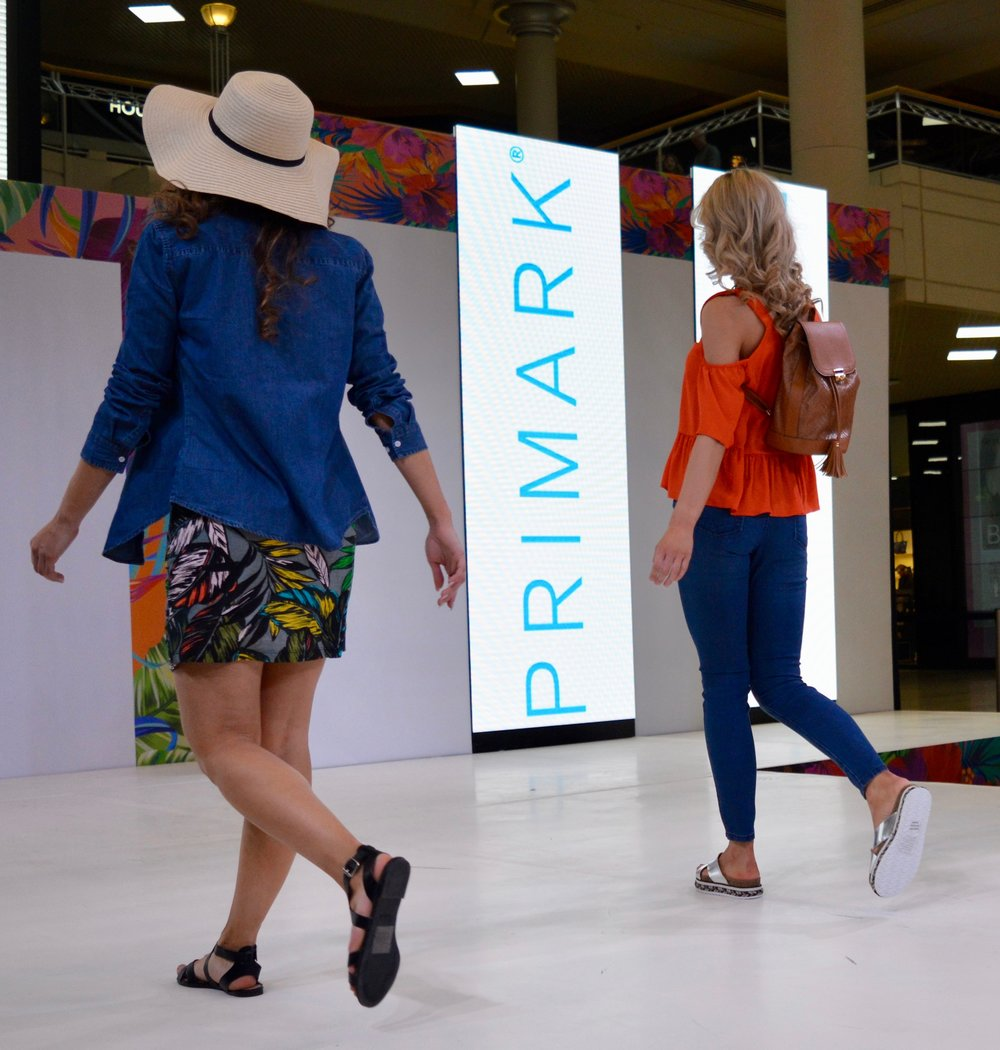 primark_summer_season_collection_intu_metrocenter_fashion_show_summer_event_flamingo_theme_elle_blonde_luxury_lifestyle_blog