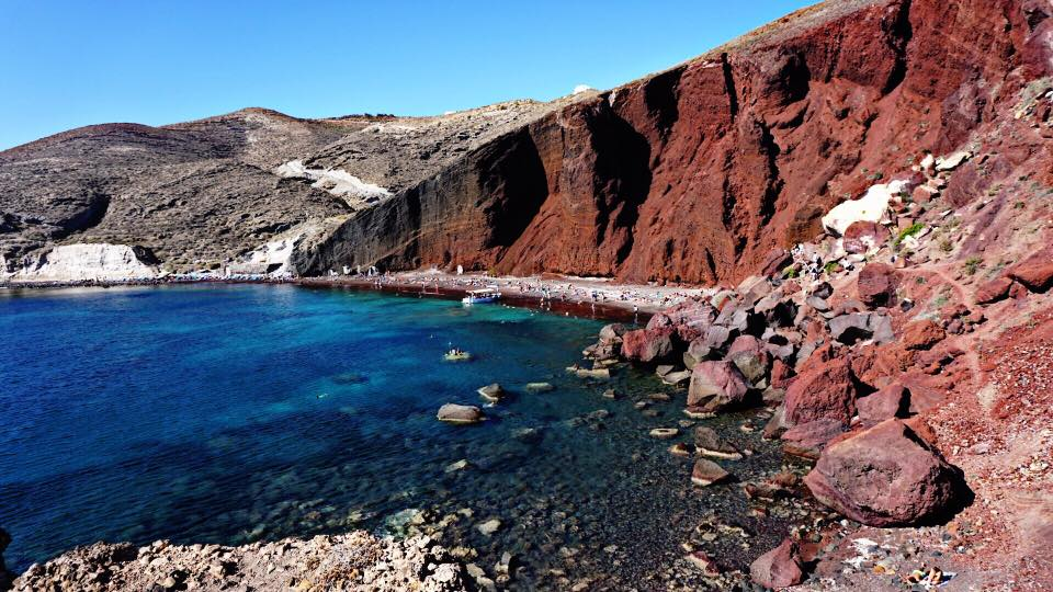 Santorini: Iconic moments on the island that will never go out of style 8