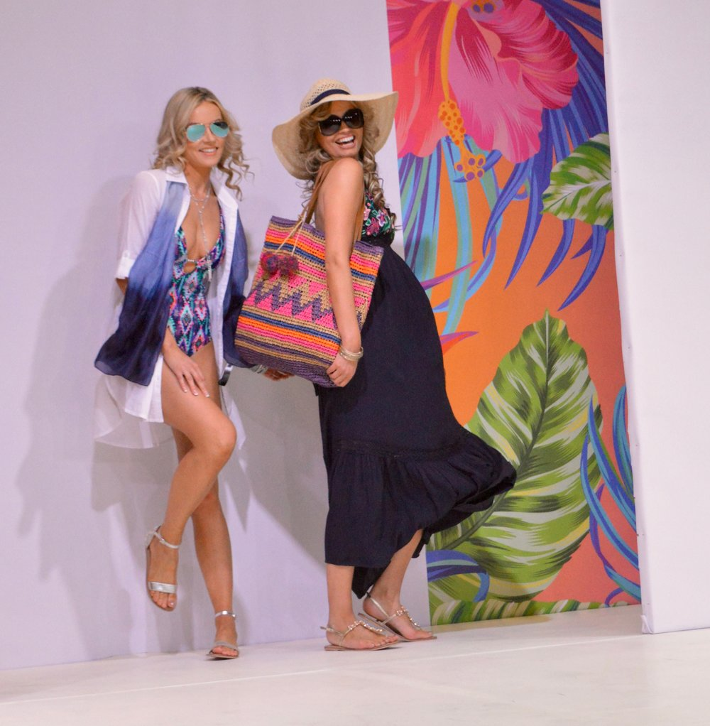 swimsuit_accessorize_beachwear_intu_metrocenter_fashion_show_summer_event_flamingo_theme_elle_blonde_luxury_lifestyle_blog