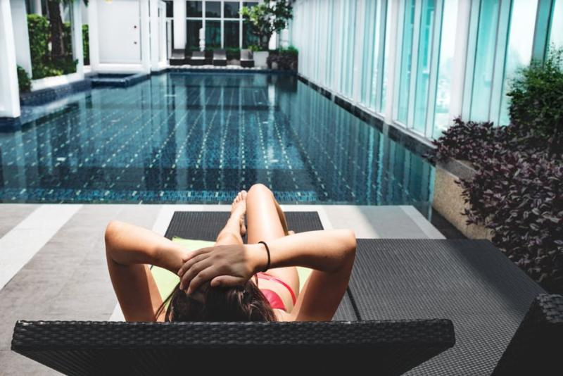 swimming-pool-fitness-tips-elle-blonde-luxury-lifestyle-destination-blog