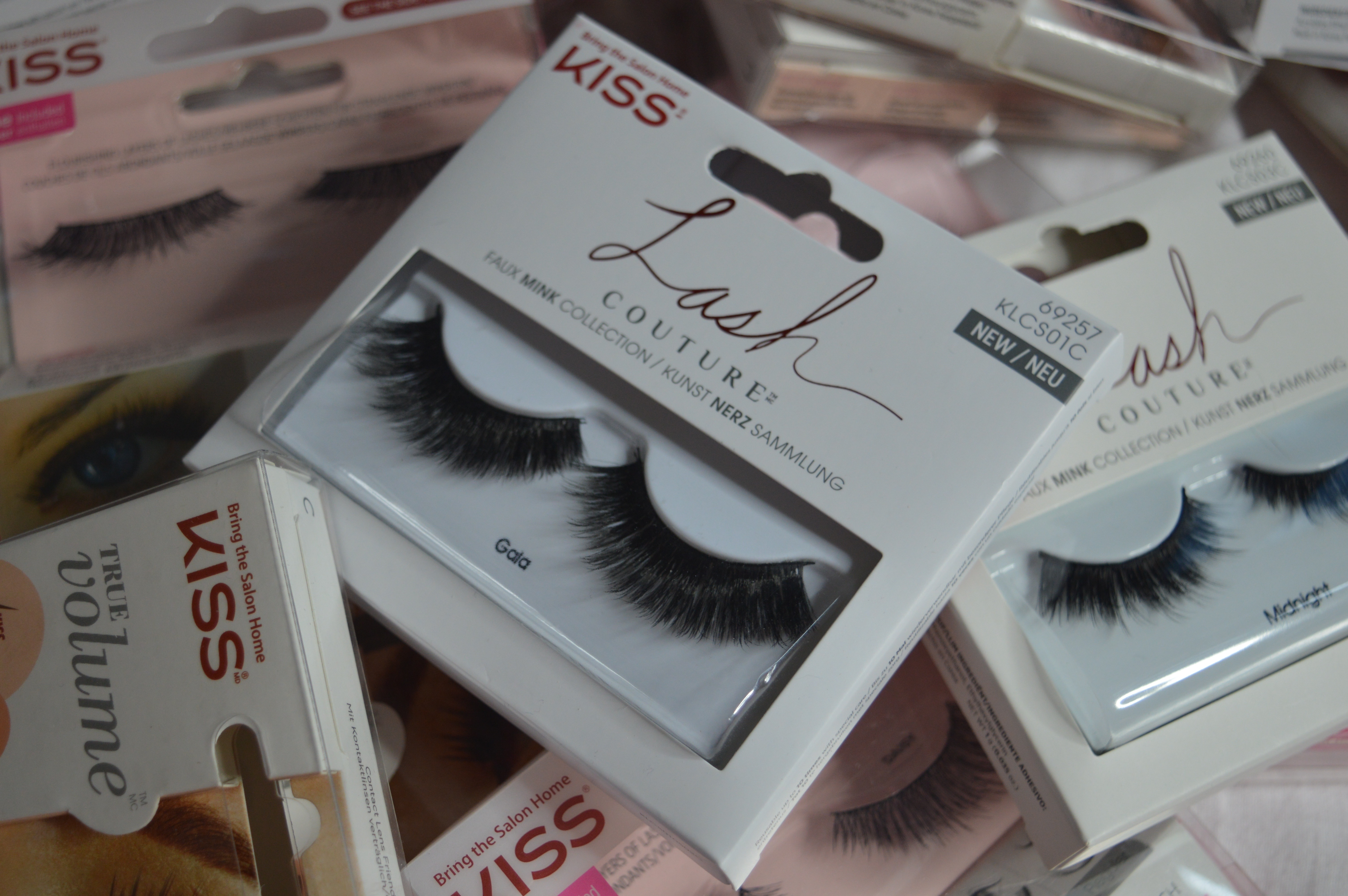 KISS nails & lashes beauty products elle blonde luxury lifestyle blog