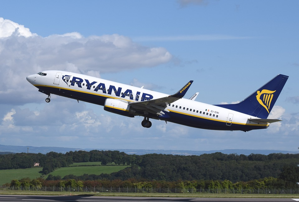 in-air-ryanair-cancelled-flights-compensation-elle-blonde-luxury-lifestyle-destination-blog