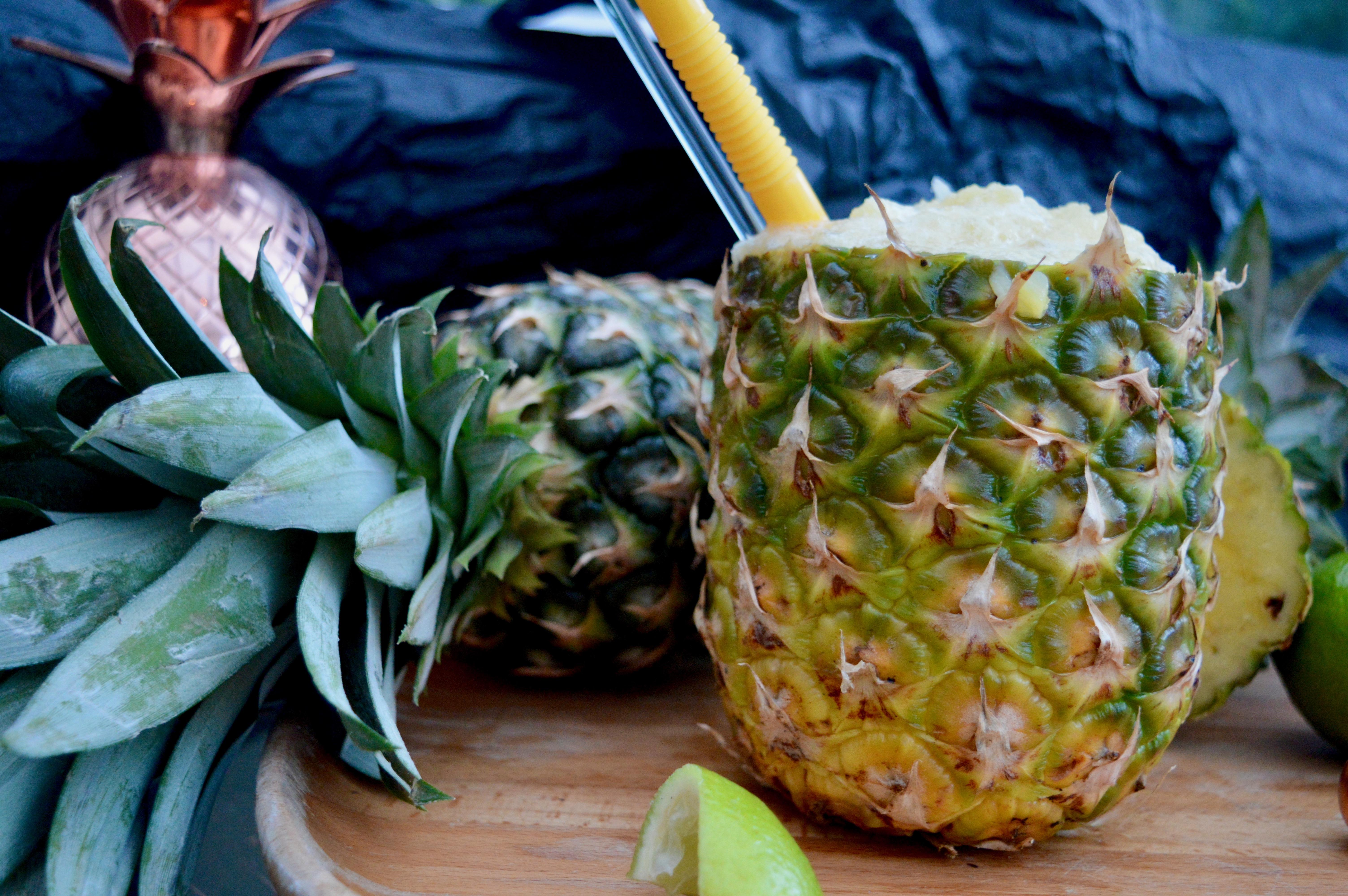 rum-cocktails-absolut-elyx-frozen-pineapple-daiquari-juicer-elle-blonde-luxury-lifestyle-blog