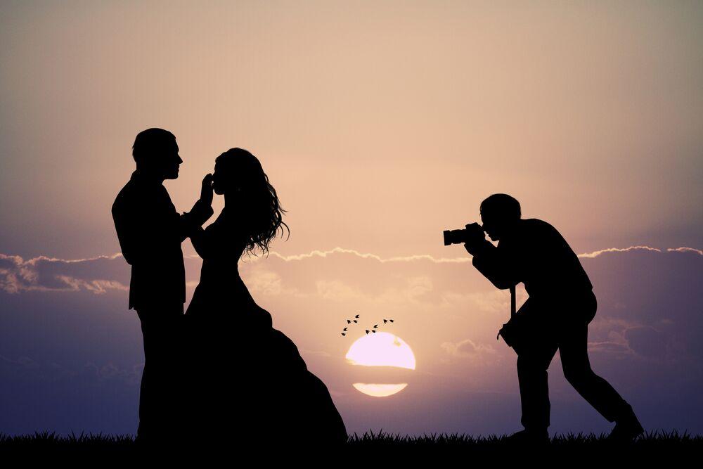 Wedding-photographer-couple-how-to-choose-wedding-photographer-bride-elle-blonde-luxury-lifestyle-destination-blog