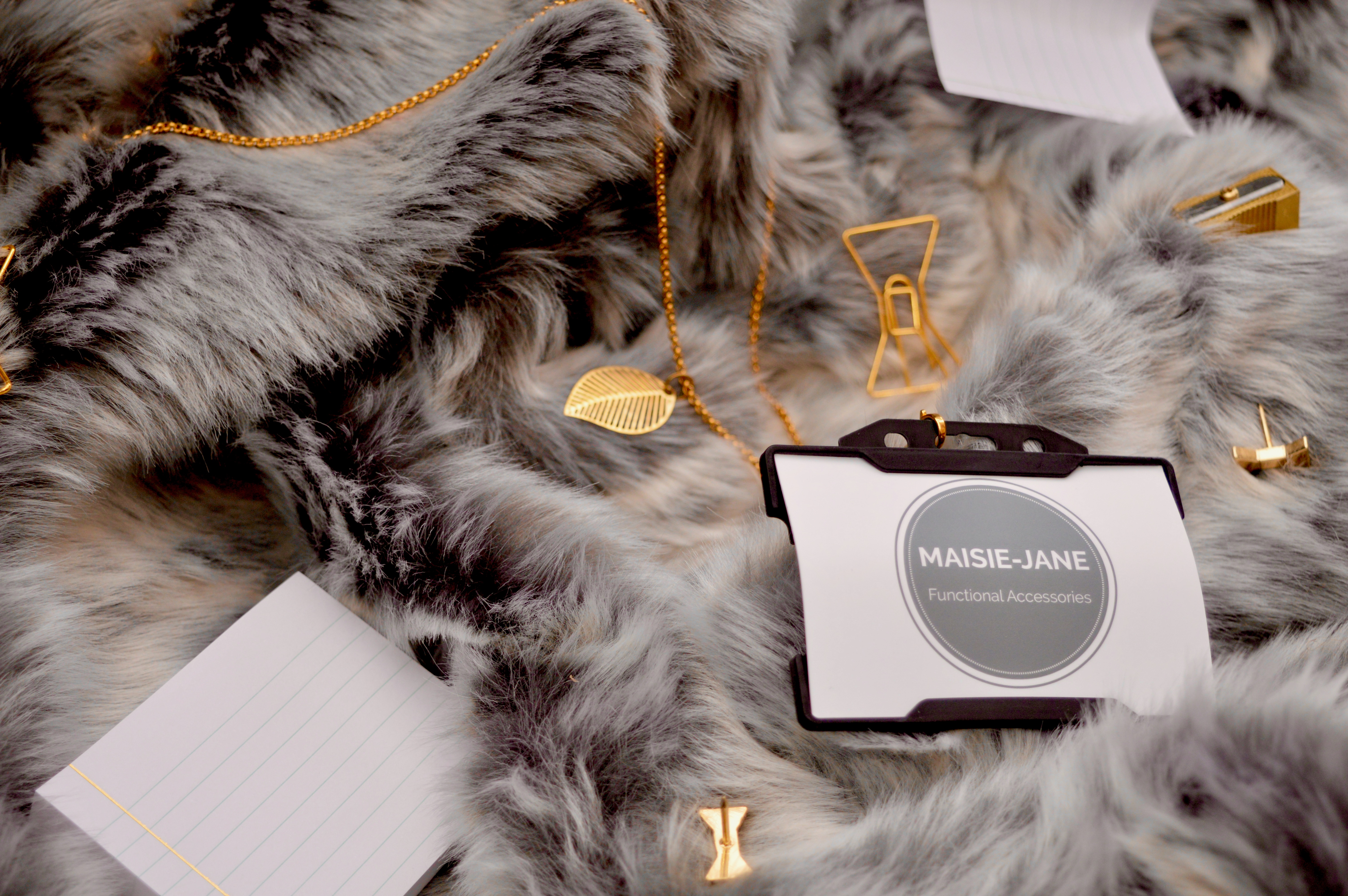 Maisie Jane | Gold Leaf Lanyard | What to buy the person who has everything | Christmas Gift Guide - What to buy your Grandma | Elle Blonde Luxury Lifestyle Destination Blog