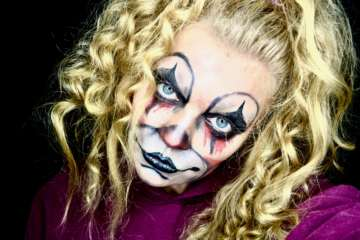 Scary Halloween Makeup ideas | Dead Blonde Clown | Elle Blonde Luxury Lifestyle Destination Blog