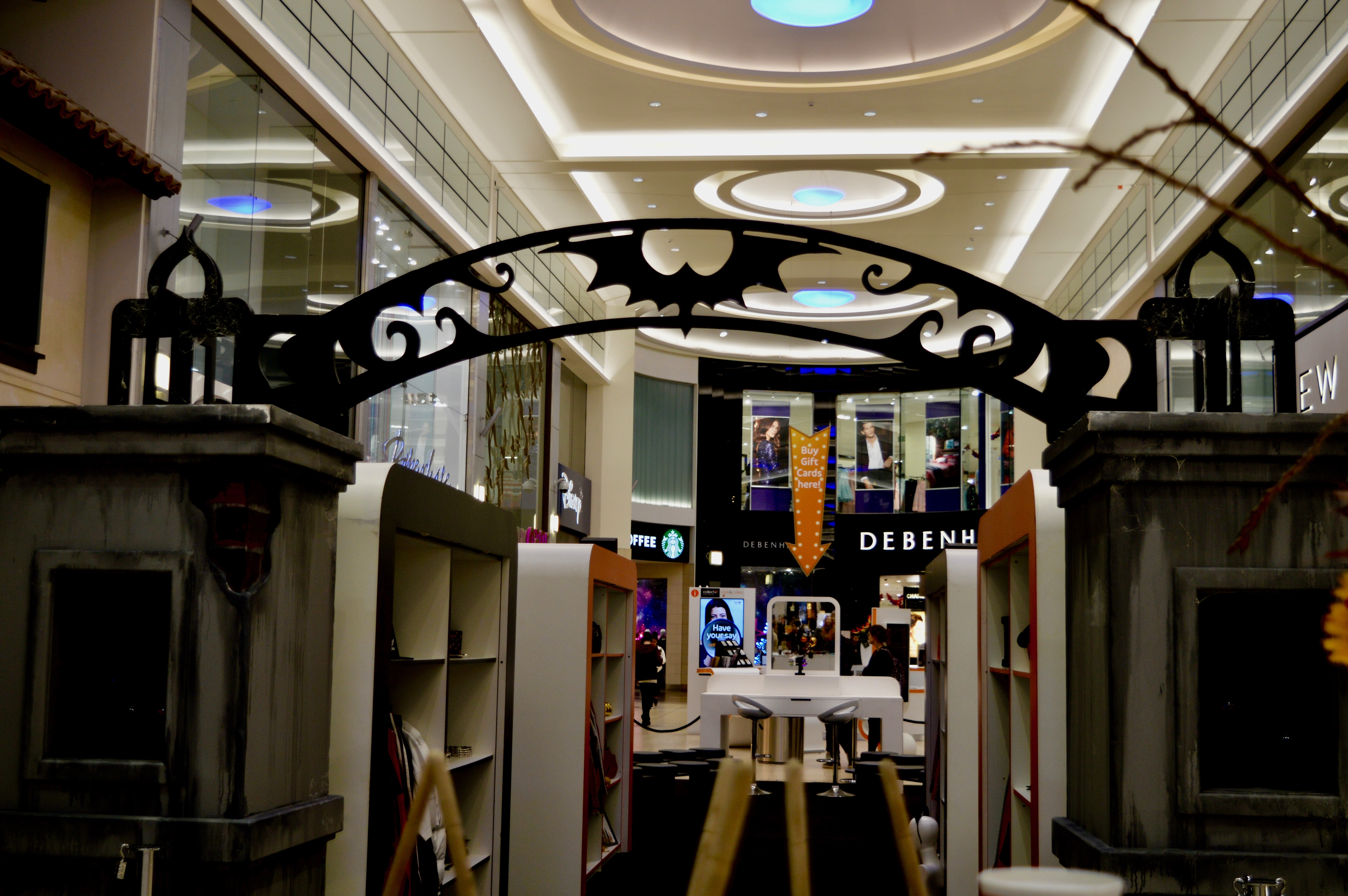 spooky-wardrobe-intu-eldon-square-winter-fashion-stylissimo-newcastle-high-street-halloween-elle-blonde-luxury-lifestyle-destination-blog