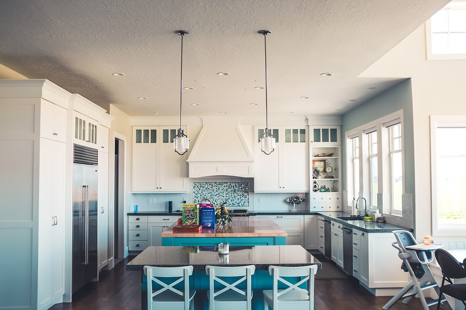 Looking to redecorate your kitchen this year? Find out what our top kitchen inspo tricks are | Elle Blonde Luxury Lifestyle Destination Blog
