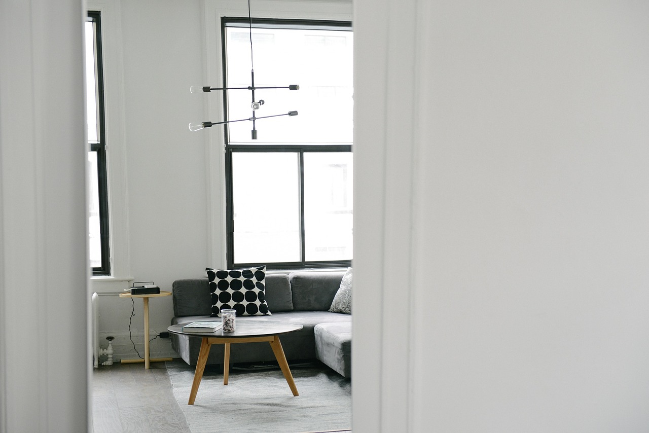 Tips on how to keep your home cool during a heat wave | Elle Blonde Luxury Lifestyle Destination Blog