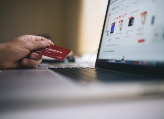 How to choose a student credit card to have more money at University and to increase your credit score   Elle Blonde Luxury Lifestyle Destination Blog