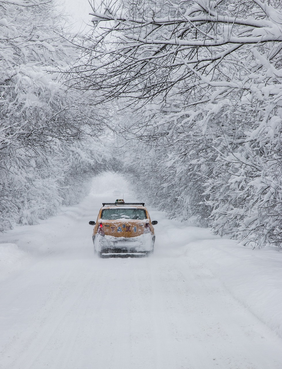 Winter driving tips | how to prepare for Winter | Car blog | Elle Blonde Luxury Lifestyle Destination Blog