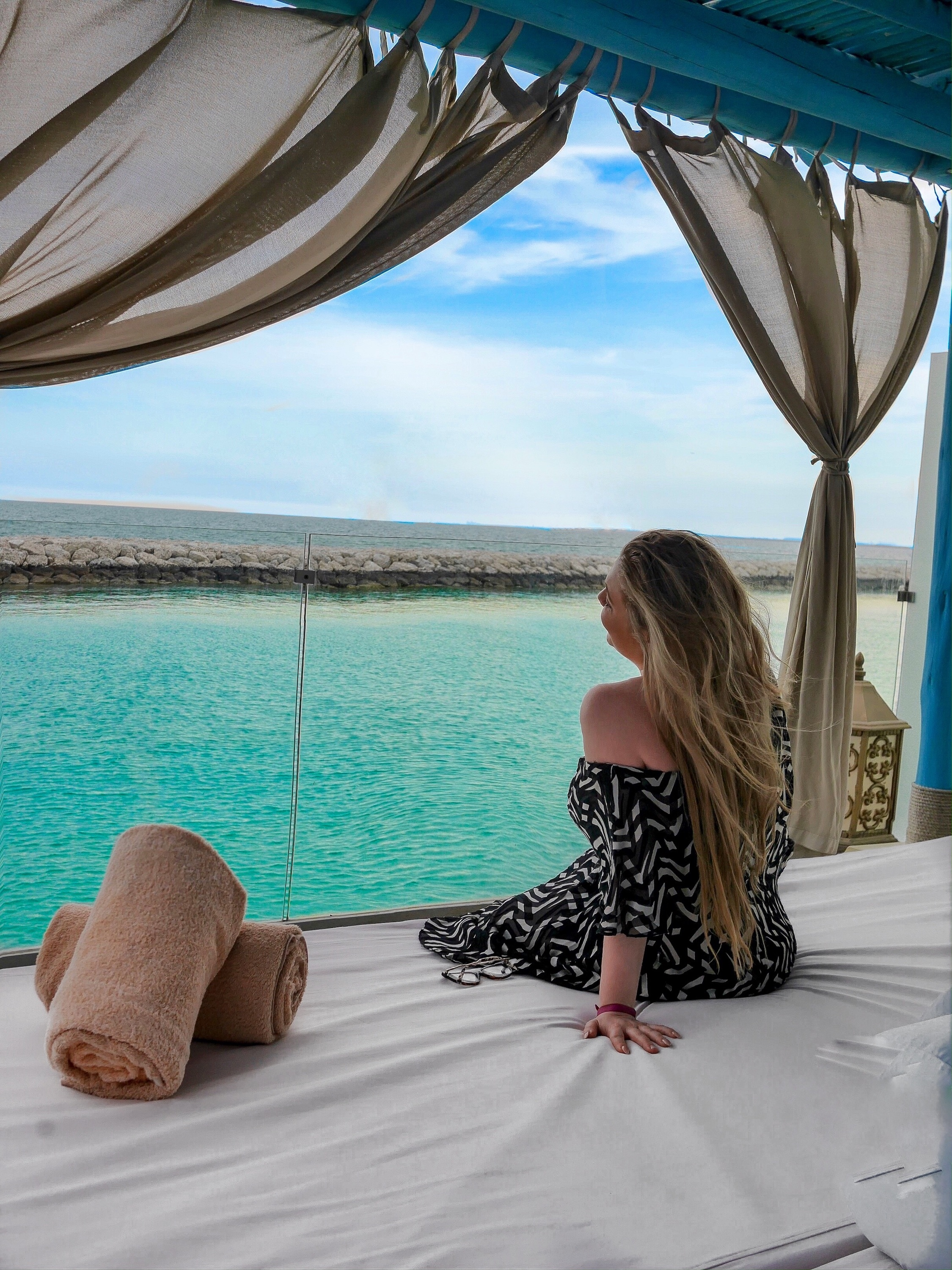 Maldives of Qatar - Banana Island 3 bedroom villa | Visit Qatar | Doha, the capital of Qatar is located in the Middle East and the World Cup 2022 location. Find out how I spent 4 days on my visit to Qatar | Travel Guide & Tips | Elle Blonde Luxury Lifestyle Destination Blog