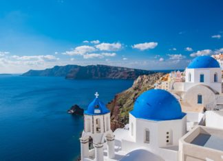 Why Santorini, Greece should be on your top 10 travel destinations to visit | Travel Bucket List & Guide | Elle Blonde Luxury Lifestyle Destination Blog
