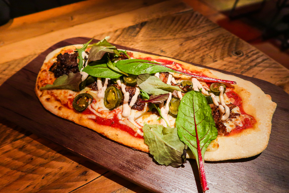 Pulled Pork Flatbread | Discover the Palm is located in Sunderland, the 5 venue destination is ideal for the perfect night out whilst staying in one place. We headed to Liberty Brown the Steakhouse and Burger kitchen which is the original destination to check out their food | Food Review | Elle Blonde Luxury Lifestyle Destination Blog