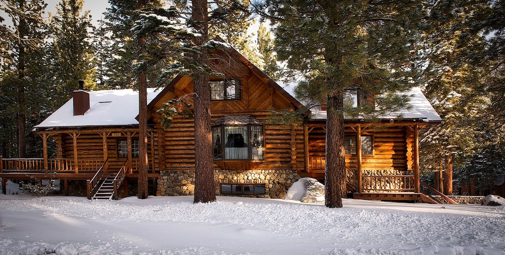 Revelstoke Spruce Cabin & Lodge | Travel Tips Canada | Elle Blonde Luxury Lifestyle Destination Blog