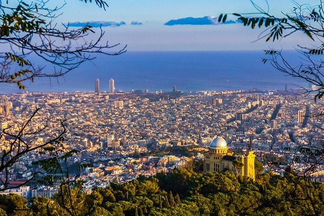 Barcelona | Looking for the perfect place to propose in Europe this Summer? We've got you covered with our top destinations for a perfect engagement | Wedding Tips | Elle Blonde Luxury Lifestyle Destination Blog