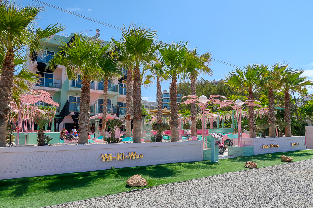 Wi-Ki-Woo Hotel | Where's good to eat in San Antonio Ibiza, restaurant and food guide | Travel Tips | Elle Blonde Luxury Lifestyle Destination Blog