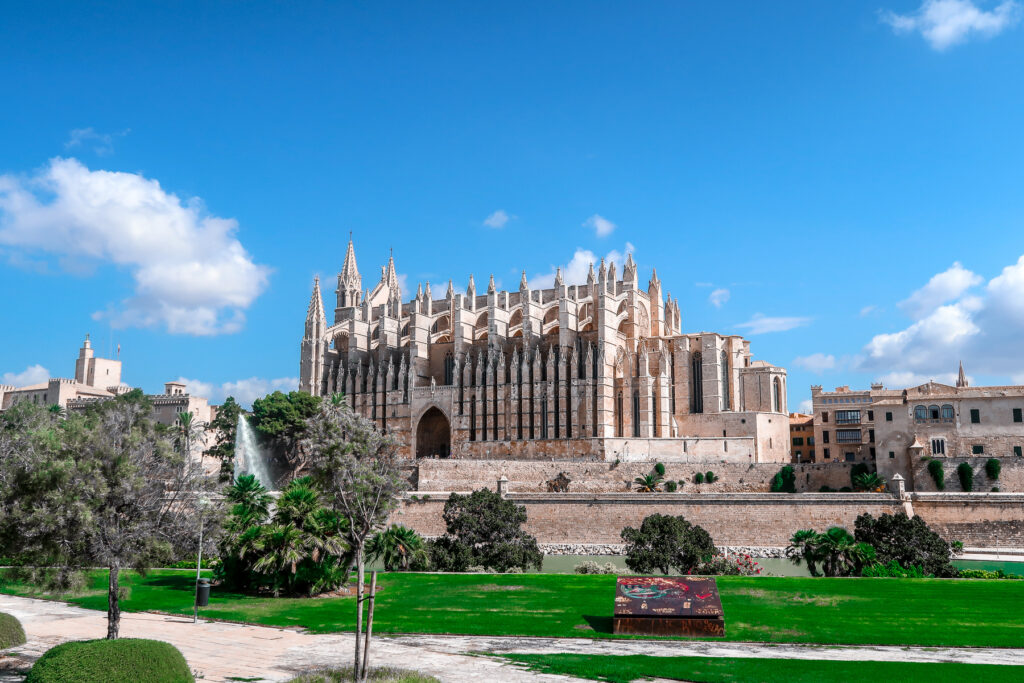 Palma Cathedral | How to spend 6 hours in Palma Mallorca | Travel Guide | Elle Blonde Luxury Lifestyle Destination Blog