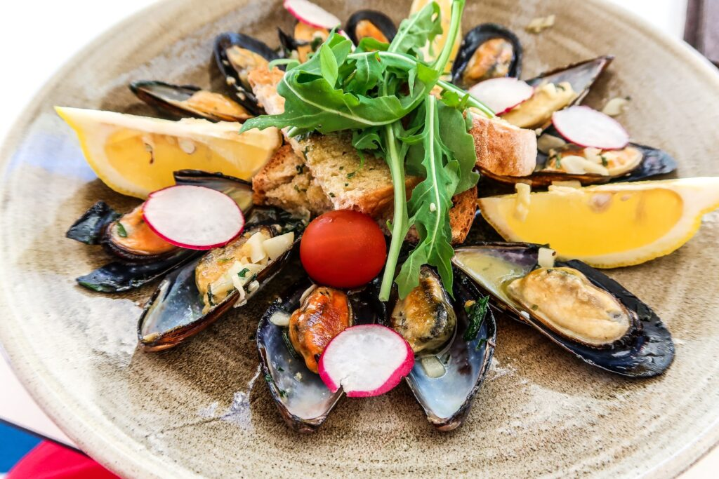 Save Money on Food | Mussels Algarve Style from pool bar - Hotel California in Albuferia Old Town, The Algarve Portugal | eco-friendly, vegan, adults-only hotel with a modern twist | On The Beach Holidays Review | Elle Blonde Luxury Lifestyle Destination Travel Blog
