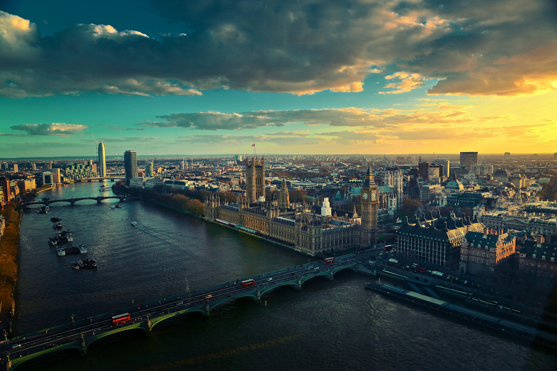 When trying to decide where to live in London, it pays to travel 1