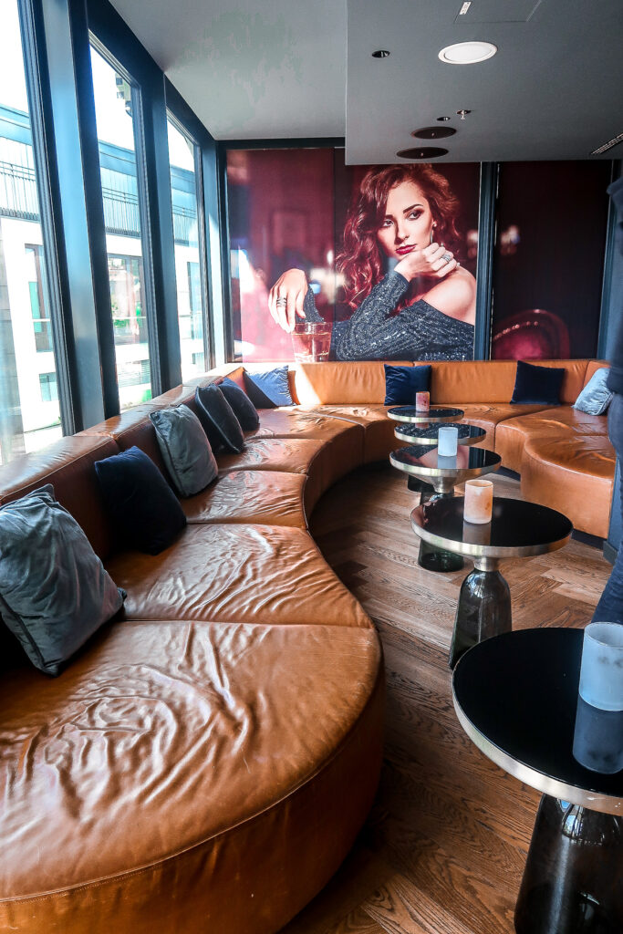 Bar | Jaz in the City Hotel | What to do when visiting Stuttgart for the first time | Germany travel guide | Elle Blonde Luxury Lifestyle Destination Blog