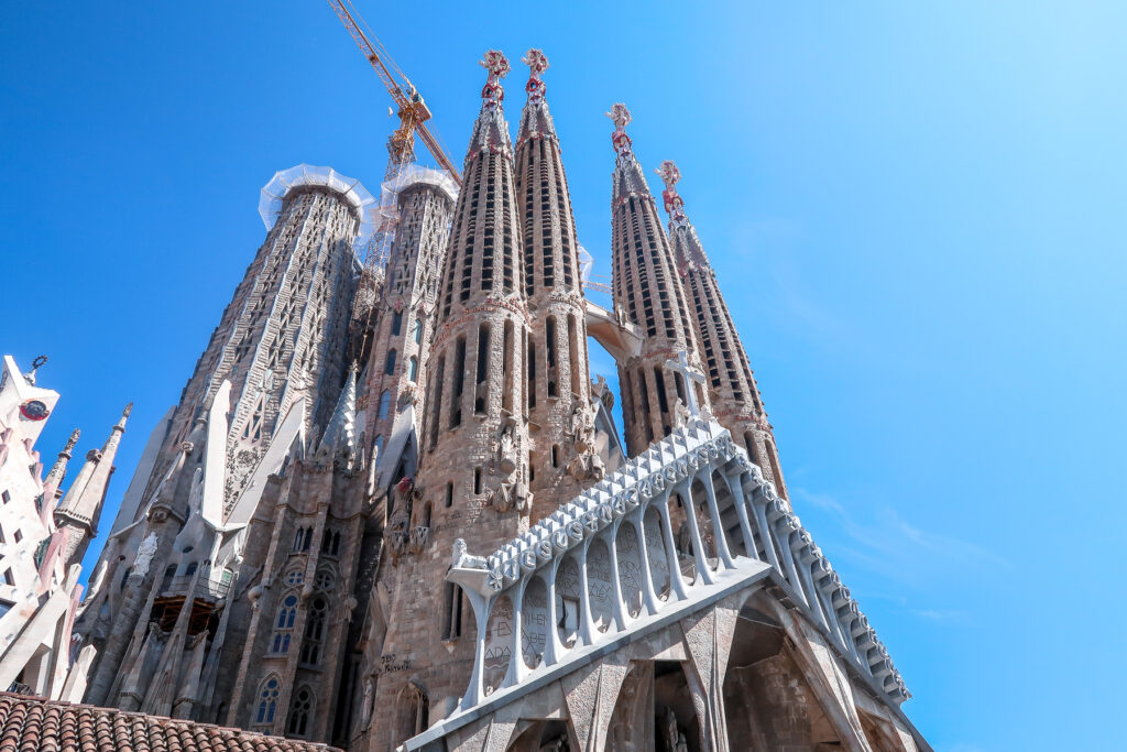 Best Places To Travel In Fall | Barcelona | Elle Blonde Luxury Lifestyle Destination Blog