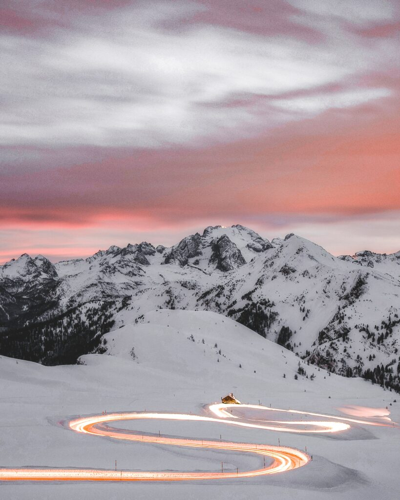 Best Ski | 7 reasons why you should ski in Morzine, located in the French Alps with Hunter Chalets | Travel Guide | Elle Blonde Luxury Lifestyle Destination Blog