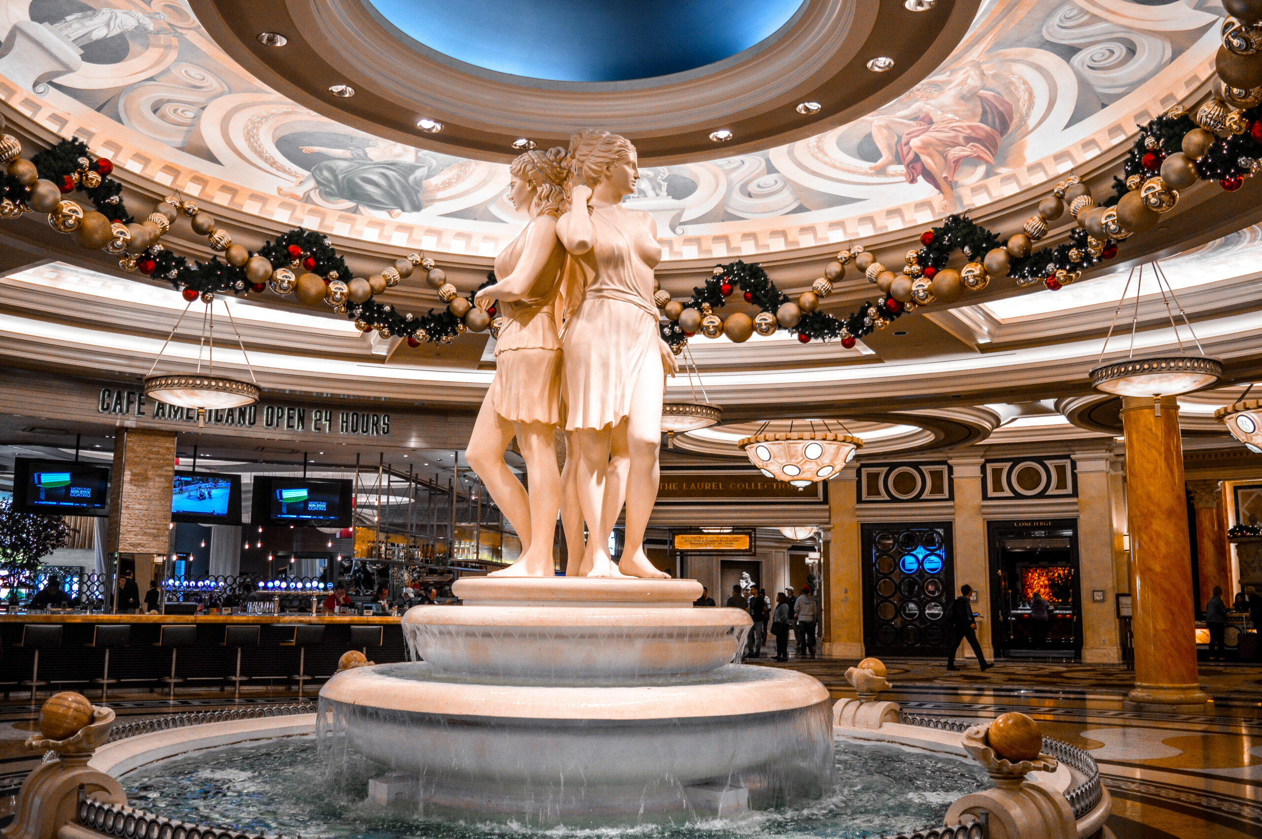 Caesars Palace Reception Las Vegas | How using cashback websites you can get a free holiday | Travel tips saving money | Elle Blonde Luxury Lifestyle Destination