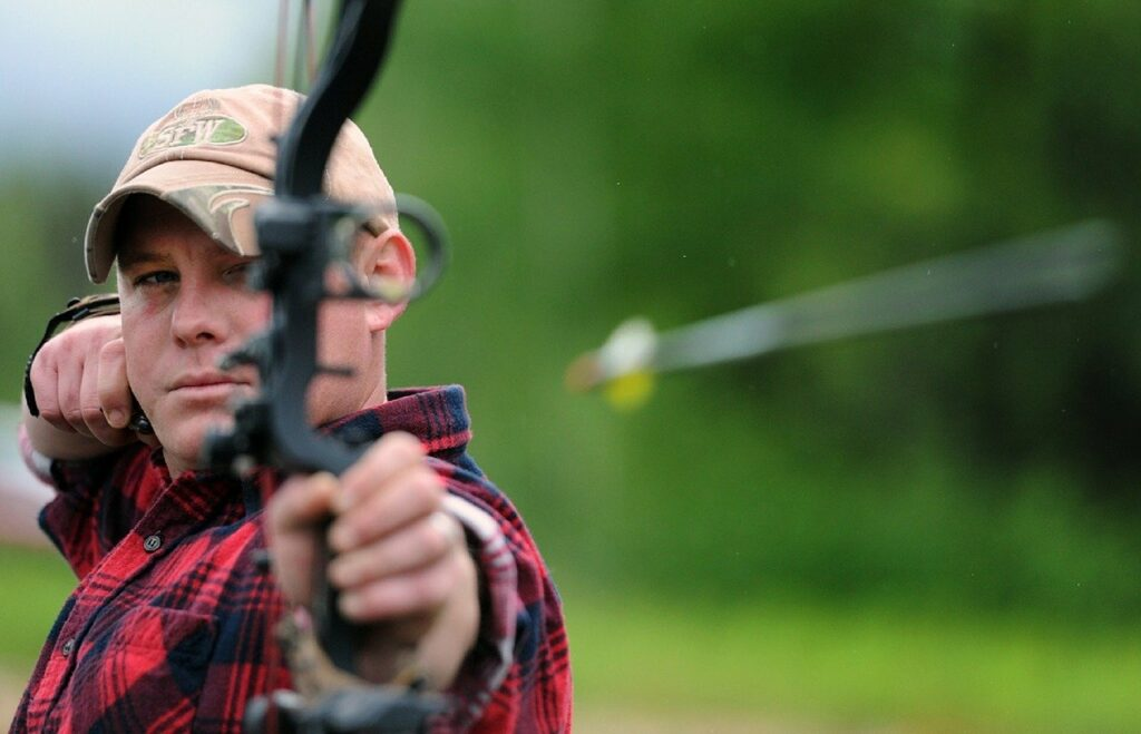 3 Easy Available Types of Hunting Bows for Beginners 1