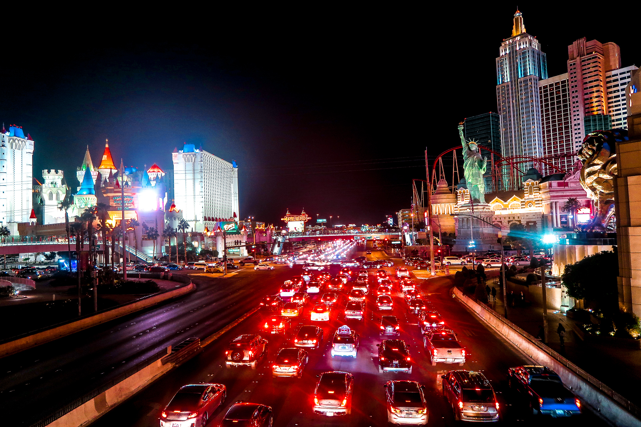 Traffic NYNY Excalibur | 7 Night Itinerary for Las Vegas | If you're looking to plan things to do in Vegas here's what we got up to on our 6th visit | Travel Tips | Elle Blonde Luxury Lifestyle Destination Blog