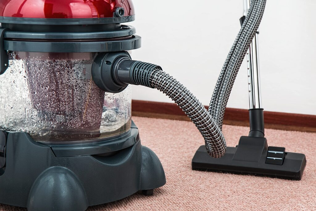The Advantages Of Hiring A Cleaning Service 1