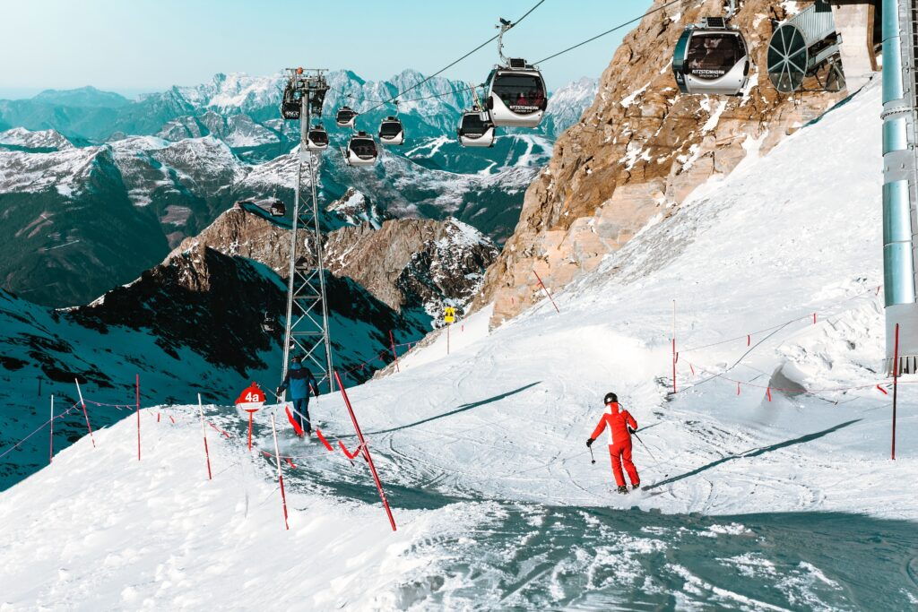 Best Ski locations in British Columbia, Canada | Travel Guide | Elle Blonde Luxury Lifestyle Destination Blog
