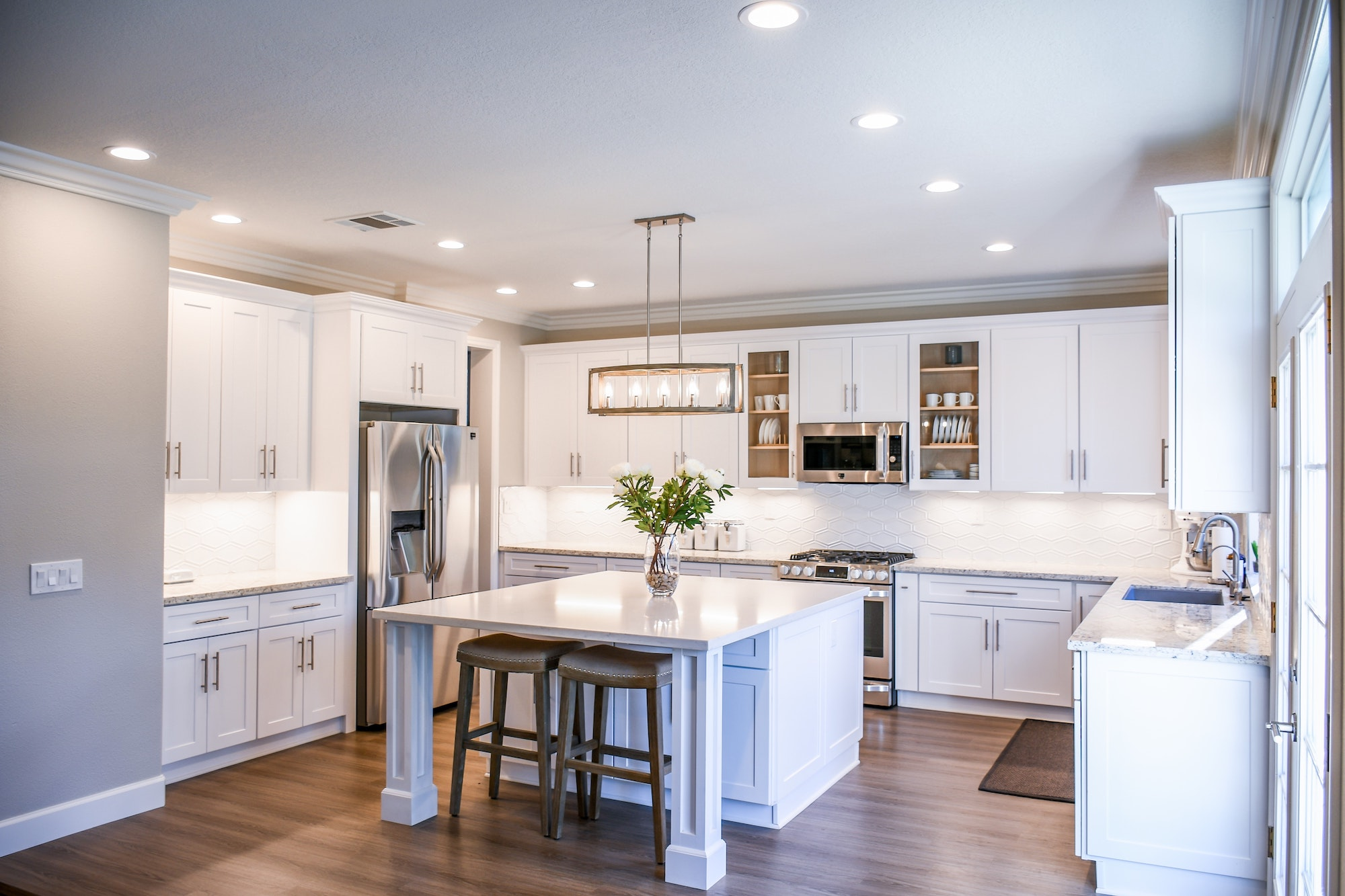 9 Ideas for Kitchen Lighting in Your Home | Home Interiors and Decor | Elle Blonde Luxury Lifestyle Destination Blog