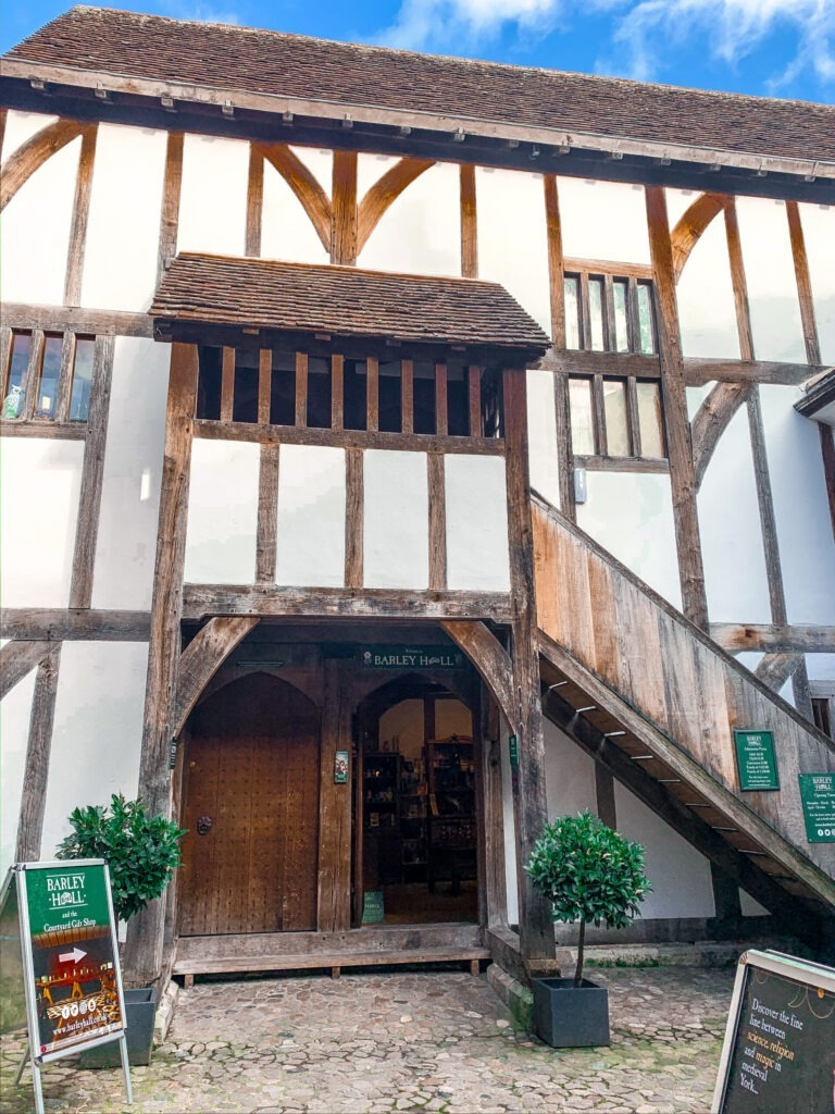 The Shambles | Visit York | How to spend 24 hours in York | Staycation Travel Guide | Elle Blonde Luxury Lifestyle Destination Blog