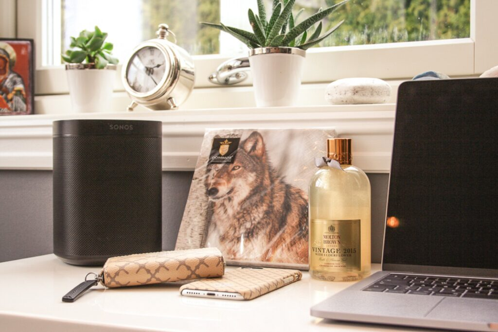 9 Tips For Working at Home During Coronavirus for Maximum Productivity | Business Tips | Elle Blonde Luxury Lifestyle Destination Blog