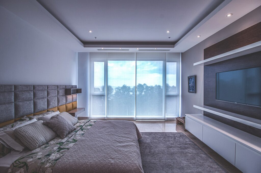 5 Luxurious Bedroom Decor Ideas For Your Home 3