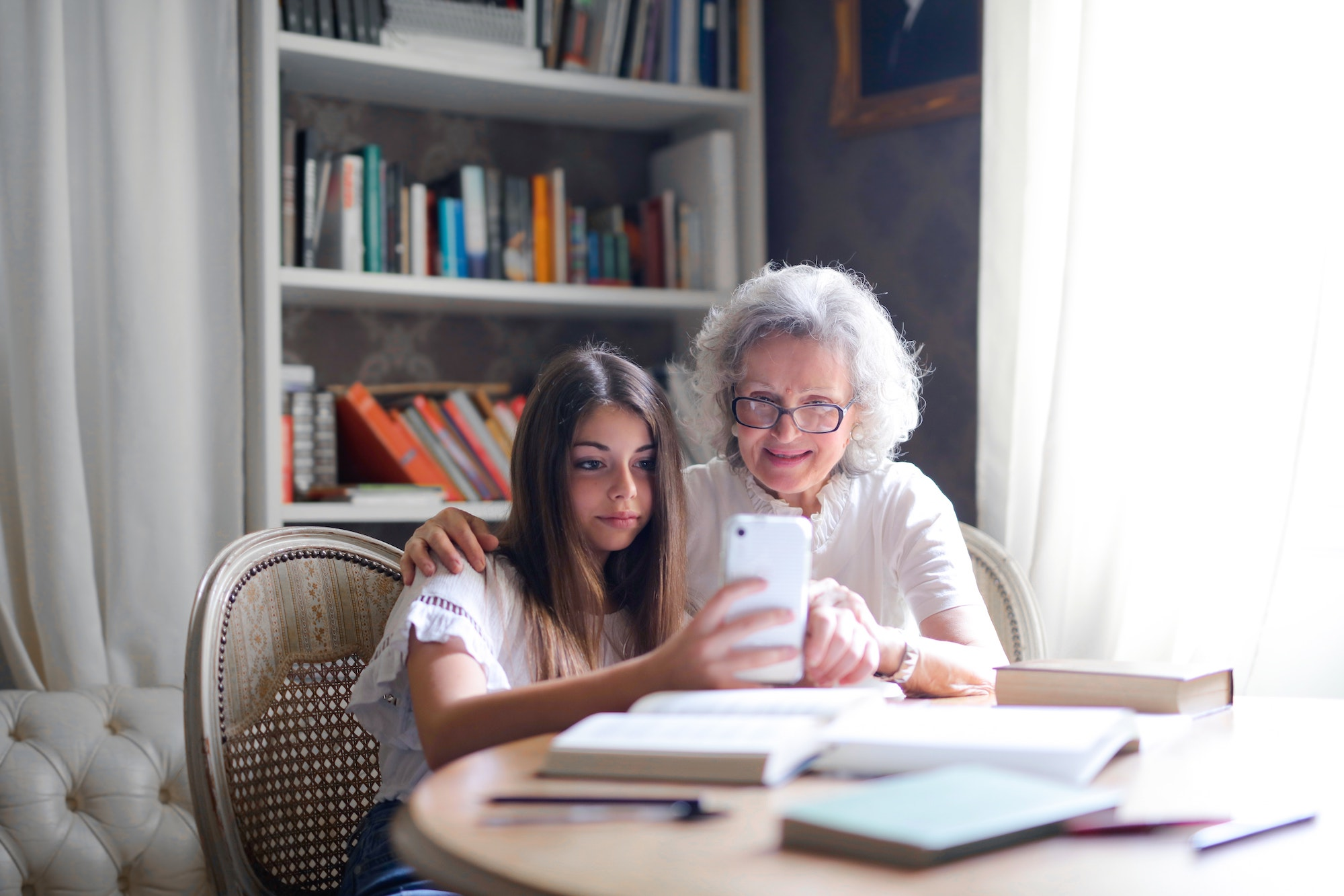 Teaching the elderly to use technology during Coronavirus | Elle Blonde Luxury Lifestyle Destination Blog