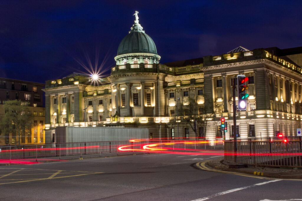 Glasgow at Night | Visit Glasgow, one of Scotland's most vibrant and exciting cities | 4 Things to see and do on your UK Staycation | Travel Guide & Tips | Elle Blonde Luxury Lifestyle Destination Blog
