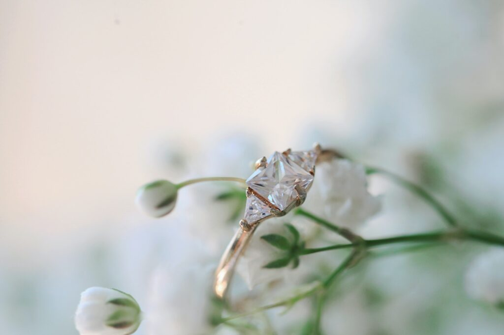 How to take photos of diamond engagement rings | Photography & Business Tips | Elle Blonde Luxury Lifestyle Destination Blog