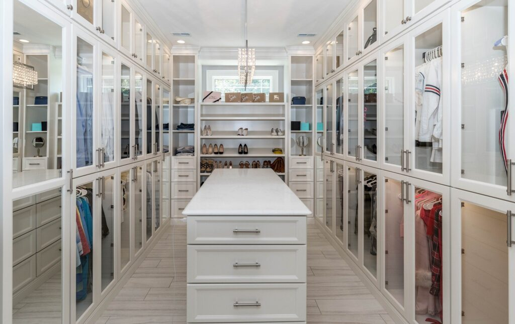 How to organise your closet properly   Home Interiors Tips   Elle Blonde Luxury Lifestyle Destination Blog