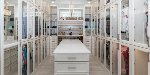 How to organise your closet properly | Home Interiors Tips | Elle Blonde Luxury Lifestyle Destination Blog