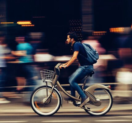 How to Ride an Electric Bicycle Uphill | Fitness | Elle Blonde Luxury Lifestyle Destination Blog