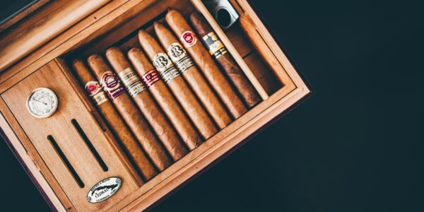 4 Ways How to Easily Prolong the Freshness of Your Cigars | Elle Blonde Luxury Lifestyle Destination Blog