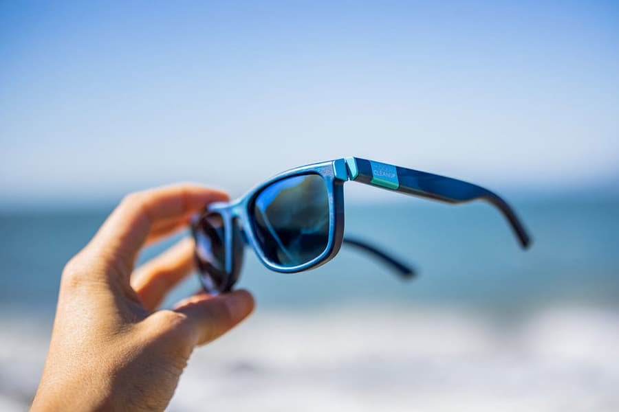 How to Repair the Lens and Frames of Your Sunglasses 3