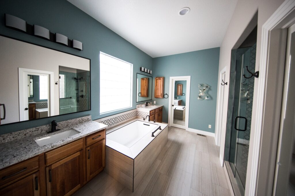 How to choose bathroom furnishings for your home | Home Interiors | Elle Blonde Luxury Lifestyle Destination Blog