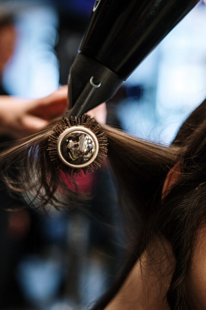 3 Reasons to Book a Mobile Hair Stylist | Hair & Beauty | Elle Blonde Luxury Lifestyle Destination Blog
